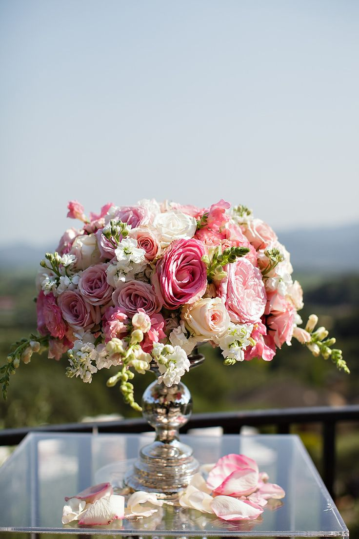 1000+ images about Dramatic centerpieces on Pinterest ...